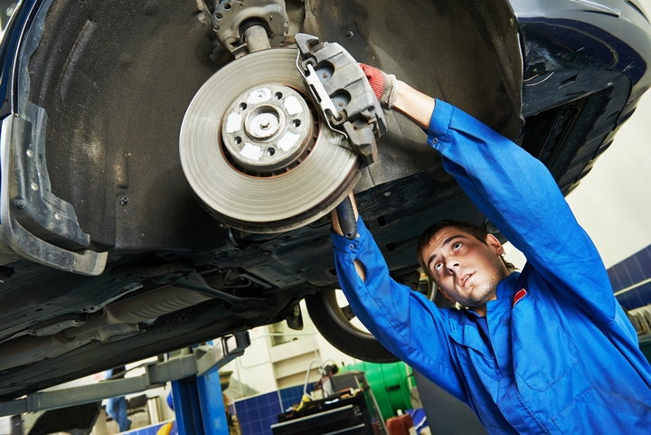 8 Signs Your Vehicle Needs New Car Brakes